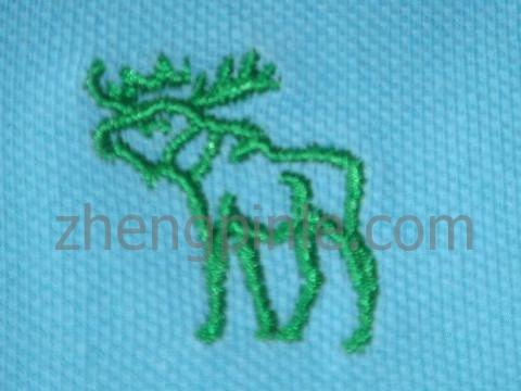 普通的假AF驯鹿刺绣标志