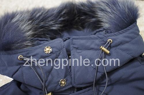 正品SLY-n3b帽子的按扣是手工缝制的