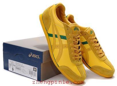 Asics的鞋标正品都配有原盒
