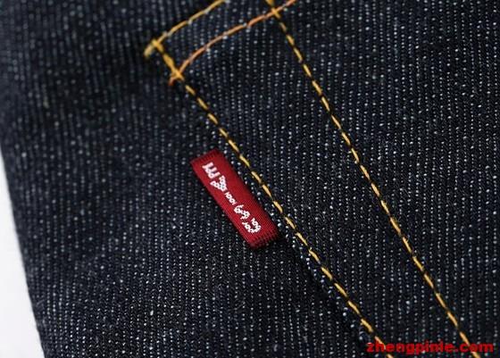 要分辨日版及欧版的最快最普遍的方法,就是看后口袋是否有EVISU的小红标