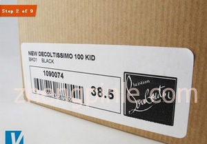 红底鞋Christian Louboutin的包装盒侧面标签