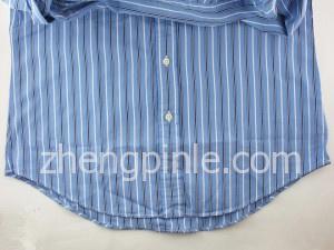 正品RL衬衫的背部下摆比前面的要长出一截