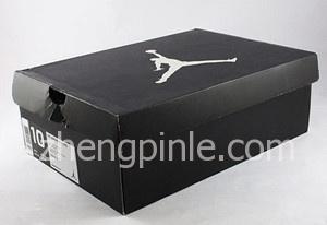 Air Jordan 11的包装盒