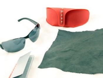 PRADA太阳镜的包装明细图四