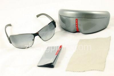 PRADA太阳镜的包装明细图一
