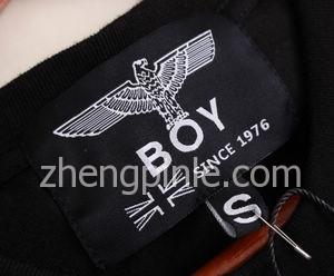 韩国BOY LONDON衣服的领标
