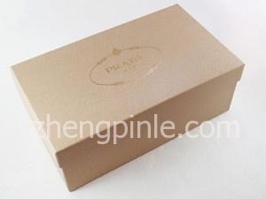 PRADA高跟鞋的鞋盒