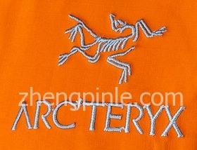 正品始祖鸟冲锋衣刺绣标志