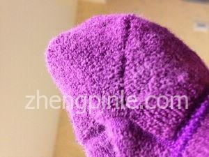 毛巾底的棉袜舒适性更高