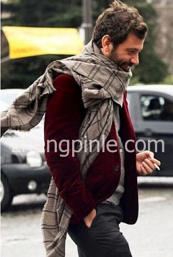 男装丝绒西装搭配