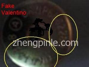 假的Valentino皮包按扣