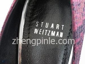 正品Stuart Weitzman鞋子的鞋垫标志