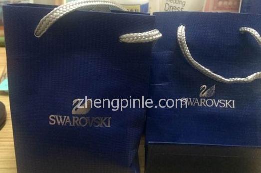 施华洛世奇(Swarovski)包装袋真假对比