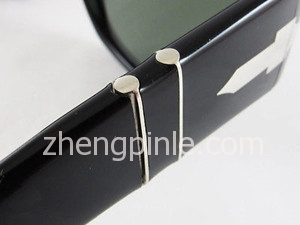 Persol太阳镜镜框细节