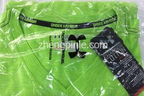 正品UA安德玛棉T恤的包装塑料袋