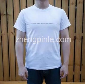 不同版型T恤衫的上身效果