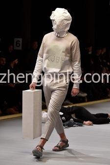 丹麦HAN KJOBENHAVN时尚宣传海报