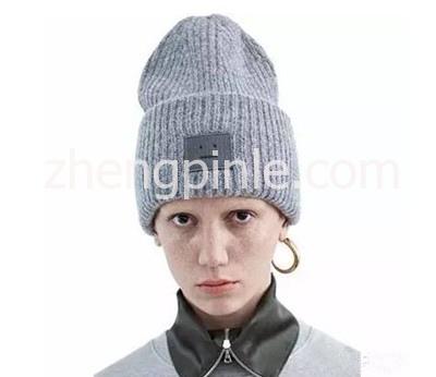 ACNE羊毛方块笑脸帽