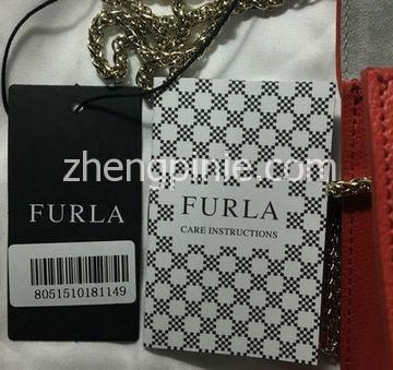 正品Furla芙拉包的黑色吊牌和保养卡