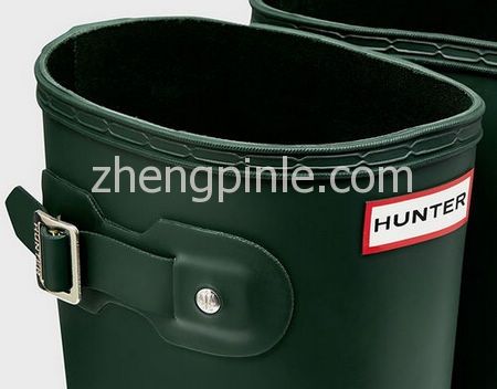 Hunter雨靴鞋标细节