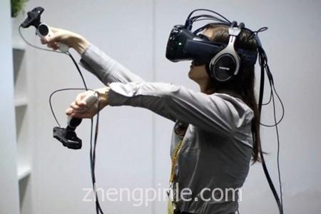 HTC Vive的VR游戏头盔