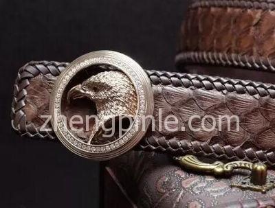 Stefano Ricci的鹰头标志腰带